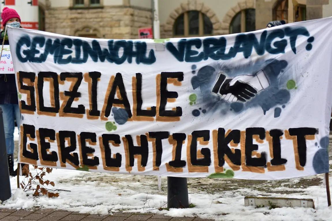 """DEMO: """"Gemeinwohl statt Wachstum – jetzt erst recht solidarisch bleiben!"""""""